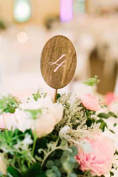 boda blanco y rosa - numeración de mesas