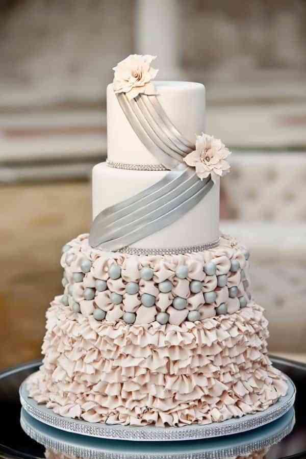 tarta de bodas en rosa