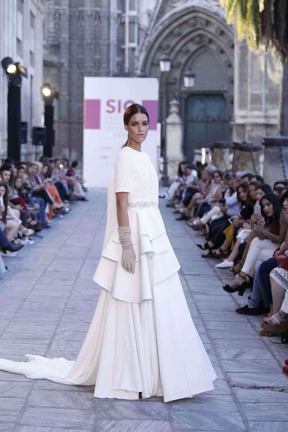 pasarela SIQ 2016 vestido ernesto sillero