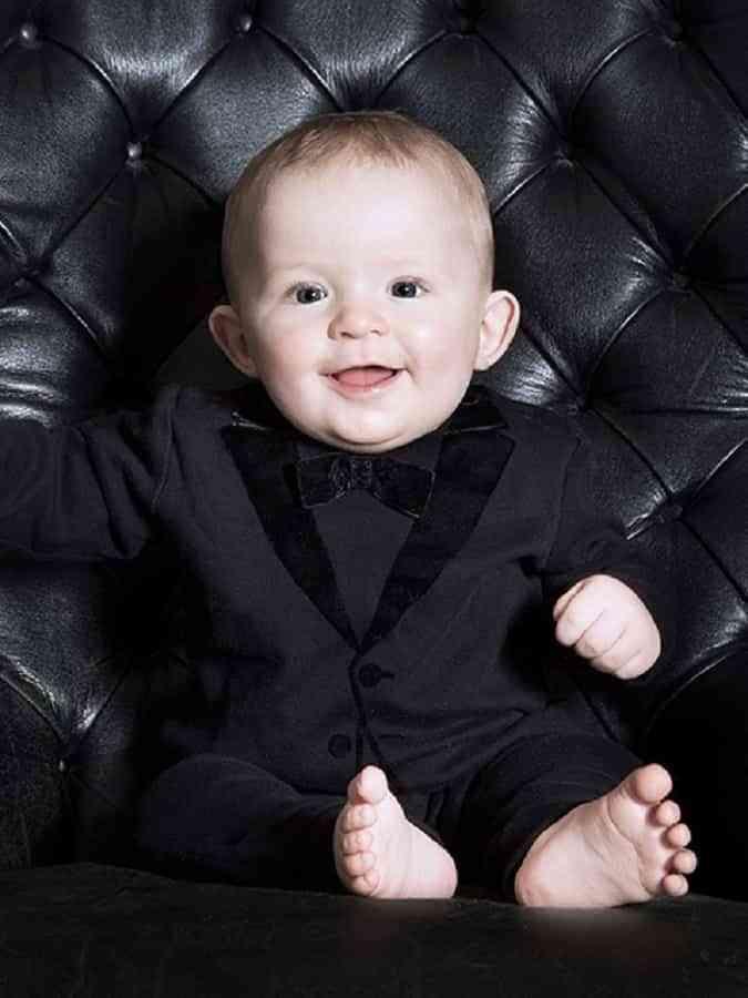trajes de boda para bebés