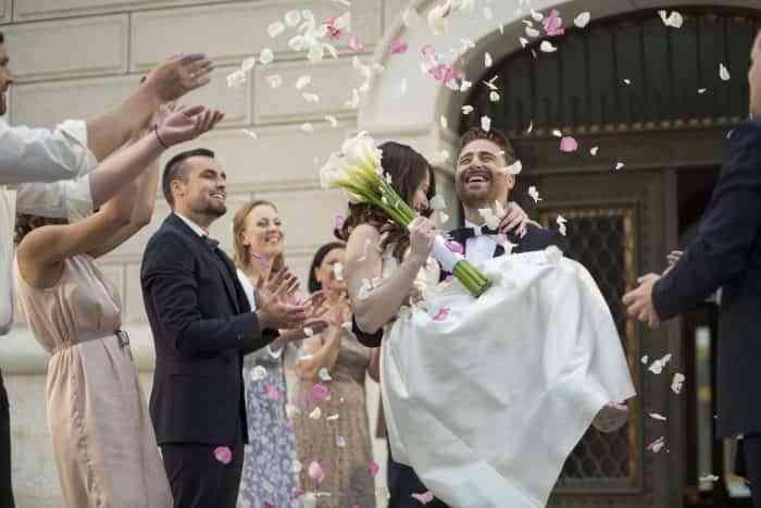 Consejos para economizar al máximo en las bodas y ahorrar un poco